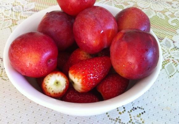 Fresh Fruit Lunch
